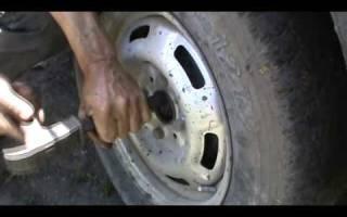 Как открутить ступичную гайку